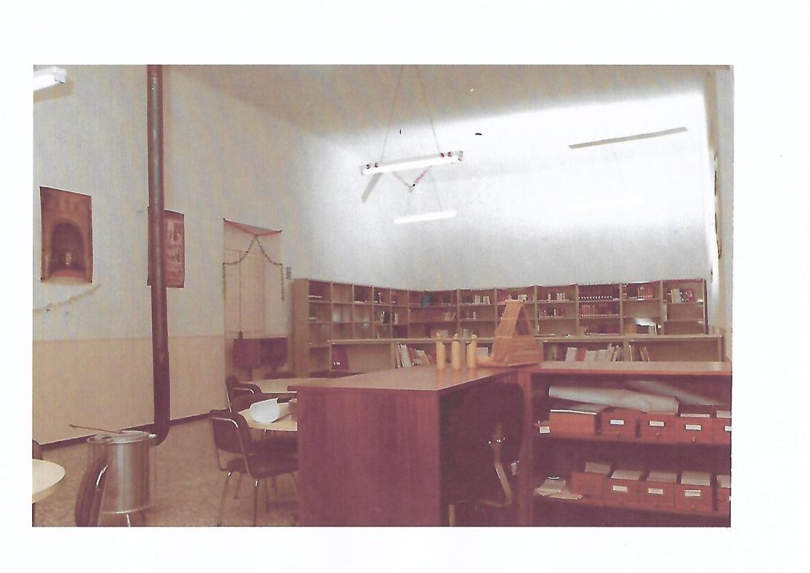Aula en biblioteca Scan.jpg