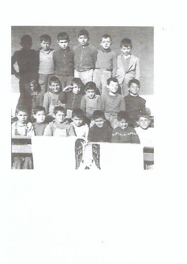 chicos de la escuela Scan.jpg