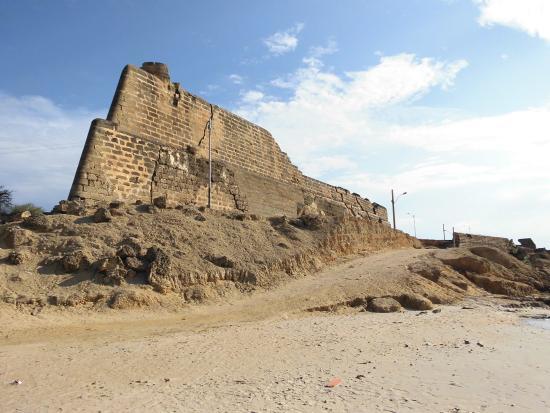 restos del castillo-de-araya