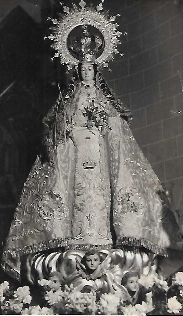 Virgen de la Paz manto de tissú Scan